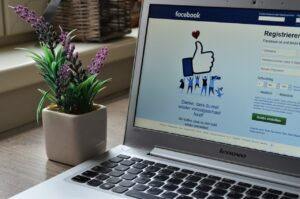 How To Use Social Media As An Effective Customer Service Centre.